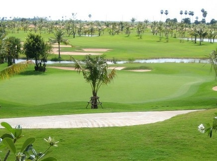 Elder Golf Courses in Cambodia is located in Phnom Penh and it is still available to book tee off now, True Cambodia Travel bring you the wonderful golf package for 5 Golfing Days and beautiful sightseeing tour in the capital city. Combine and enjoy short Cambodia golf tours and city view that cover just the highlights of Cambodia .