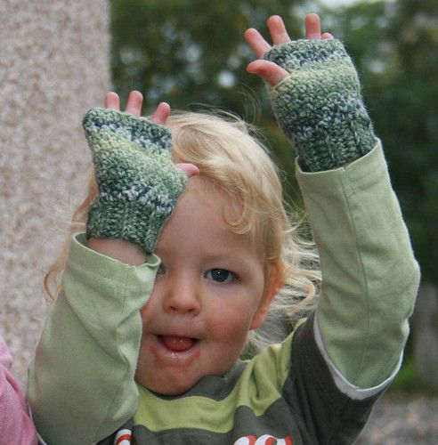 Fingerless mitts, wrist warmers patterns for the whole family