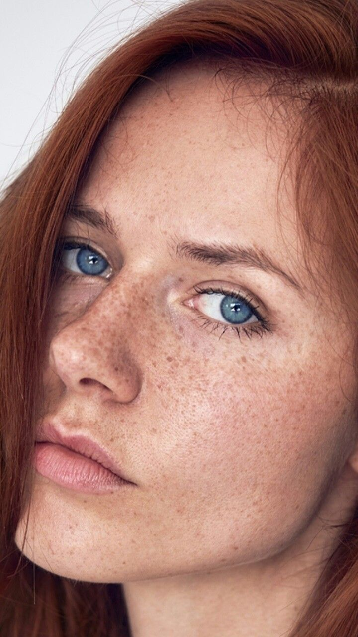 Hairstyle Color And Length Blue Eyes Freckles Red Hair In 2020
