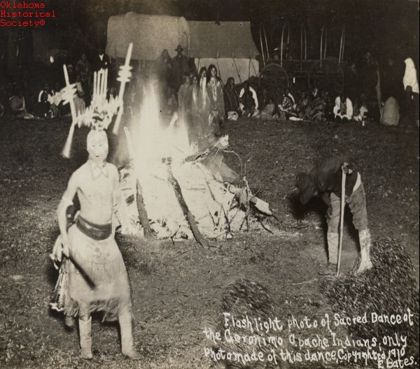 apache indian culture | ... Dance of the Geronimo Apache Indians. Only photo made of this dance