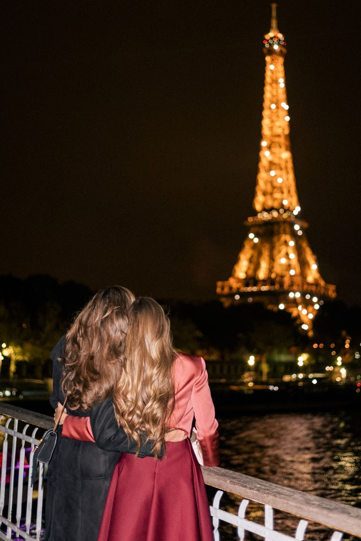 """Today I'm taking you back to Paris for our final couple of days of our trip. At the beginning of our trip (Part 1 here), we received a book called """"Don't be a Tourist in Paris"""" written by a blogger,Messy Nessy Chic, based ..."""
