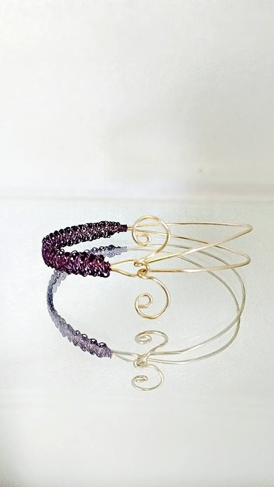 Simple and Pretty Handmade Wire Bracelet by DevysDesigns on Etsy