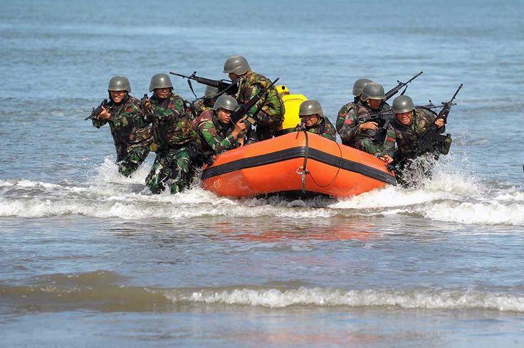 yonif-112-raider-darma-jaya-laksanakan-latihan-tempur-pendaratan-kaki-pantai-1