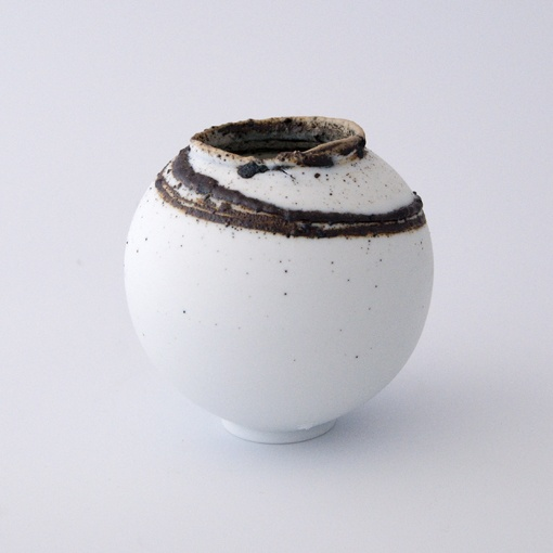 Porcelain with Waun Llodi clay detail.  Height 9cm £70 (MM15)