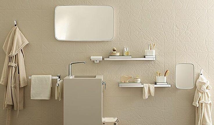 Completate il vostro #bagno con extra di pregio! Si adattano a stili totalmente differenti e soddisfano varie esigenze di #comfort!  Dai pratici #ripiani e porta #asciugamano #dispenser di sapone liquido all'#illuminazione elegante sullo #specchio e molto altro ancora. Tante idee nel nostro #Showroom e su http://ift.tt/2hbGm18 - #bathroom #home #homedesign #style #Accessorizer #fabric #class #furnituredesign #icon #stil #design  #smart  #mbdesign #hot #cool #design #LADesignChallenge…