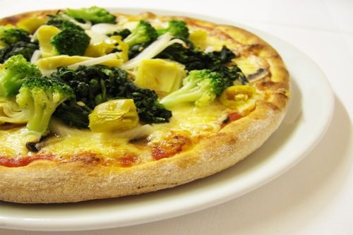 Bajdocja Kraina Zabawek poleca:  pizza z brokułami