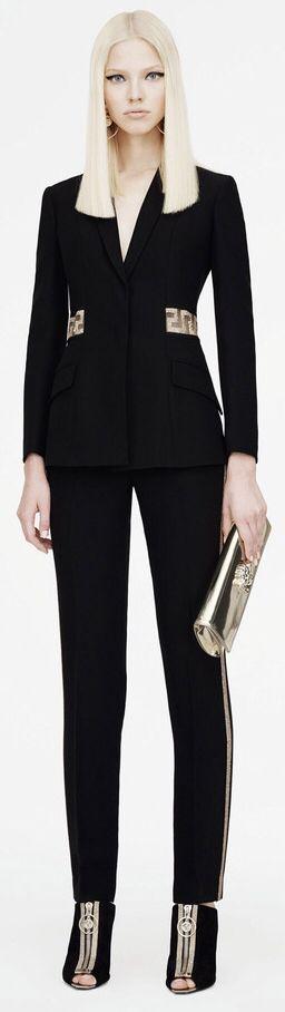 Casaco Versace, inspire-se no pormenor da cintura e transforme o seu casaco…