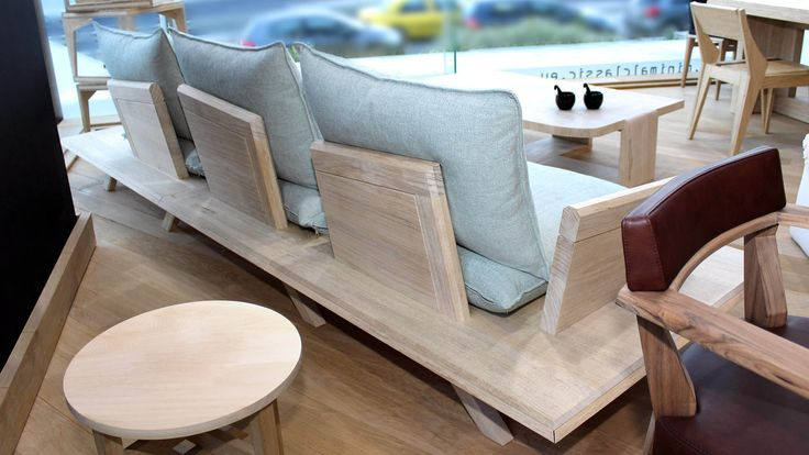 Versatile, with a relaxed character but intense and clean lines, Oh! my woodness! sofa foregrounds the use of solid wood in couch manufacturing.
