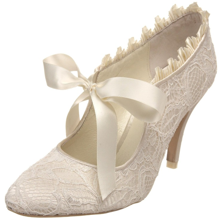 vintage wedding shoes for bride menbur lace and satin closed toe 8334