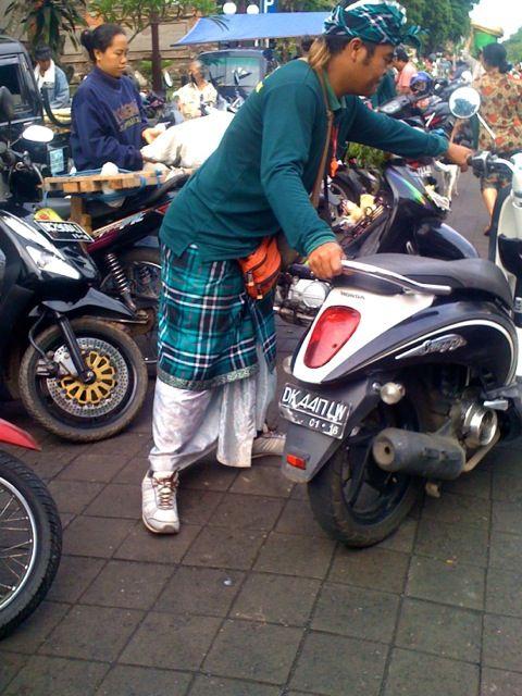 Ubud market has the coolest parking attendants