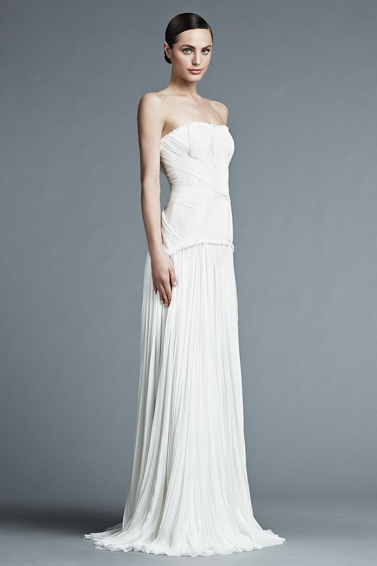 395 best GOWNS TO COVET images on Pinterest | Short wedding gowns ...
