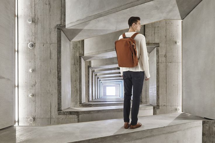 QWSTION - BACKPACK - ORGANIC RUST - Want the look of a bag, but the function of a backpack? So grab this no-fuss, dependable piece of luggage, throw it over your shoulders and carry your laptop and documents wherever you go. And if you're not in a backpack mood, the side handle allows you to turn it into a casual bag. The stitched-in Neoprene protection cover takes care of your Laptop and iPad®. Everything is always readily available. It's as simple as that. #questionthenorm