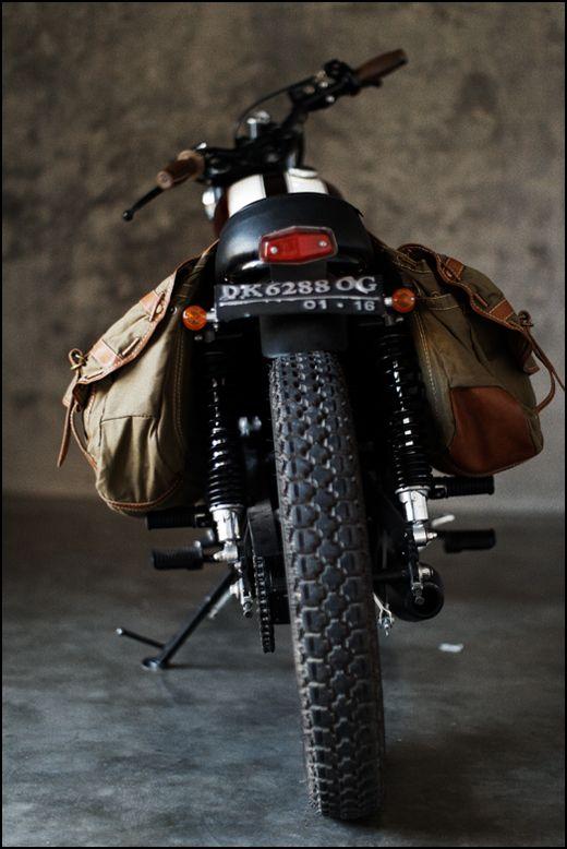 Motorcycle Diaries: Saddles Bags, Motors, Vintage Styles, Motorcycles Saddlebags, Motorbikes Galleries, Canvas, Leather Bags, Vintage Bike, Cafe Racers