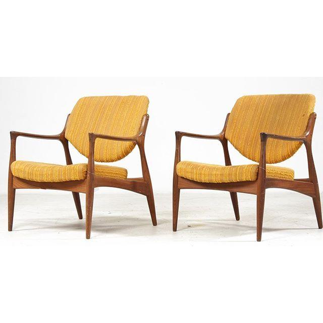 Sålde dessa på Bukowskis för kanske fem år sedan. Vet fortfarande inte formgivaren. Någon som vet? #karmstolar #armchairs #retro #vintage #vintagefurniture #danishdesign #midcenturymodern #inredning #retromodern #fåtöljer#auktion#interior #interiordesign