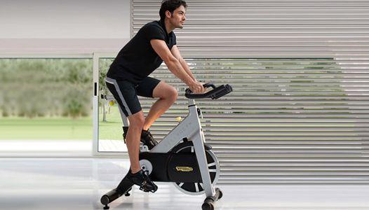 Om fit te worden heb je echt geen hele fitness school in je huis nodig. Zelf als…