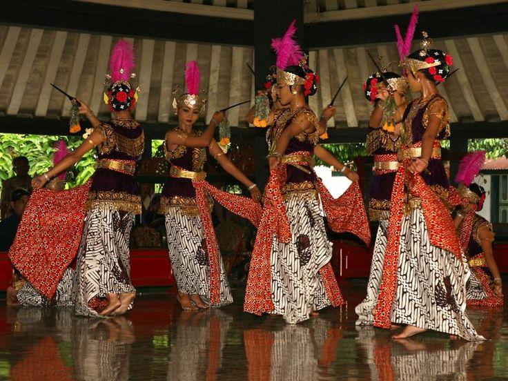 Yogyakarta, Tarian Tradisional Keraton Yogyakarta: Keraton Ngayogyakarta Hadiningrat