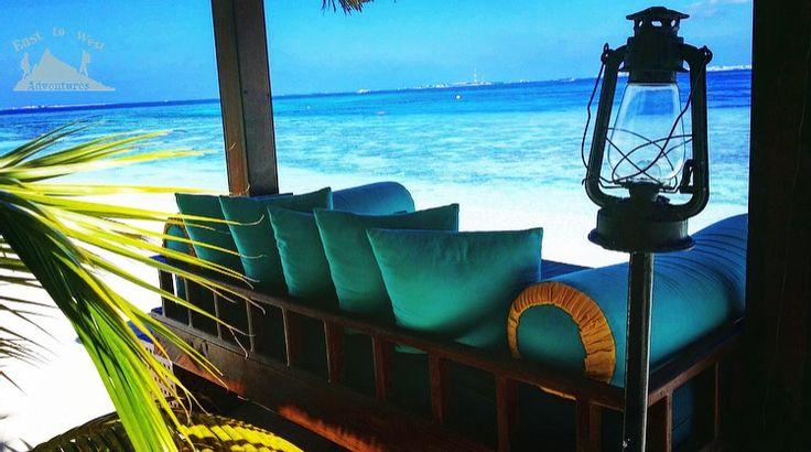 Have a seat with me 😍 #easttowestadventures #maldives #travelblogger #travelphotography    To know more about our trip to the Maldives check the blog لمعرفة المزيد عن رحلتنا إلى جزر المالديف يمكنك قراءة المدونة على الرابط http://www.easttowestadventures.com/en/