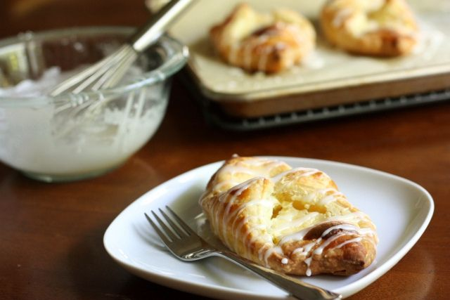 Easy Cheese Danish: Danishes Complete, Breakfast Brunch Eggs Dairy, Cheese Danishes, Chee Danishes, Easy Cheese, Breakfast Food, Danishes Backenkleingeback, Complete Delicious, Danishes Scrumptious Desserts