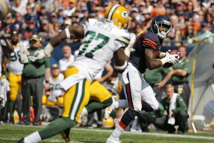Alshon Jeffery Finally Returns To Practice - TPS  Chicago Bears head coach John Fox seems to enjoy playing games with the media, but even the mastermind himself could not keep the prying eyes of those at practice Wednesday from seeing wide receiver Alshon Jeffery suited up and running drills.....