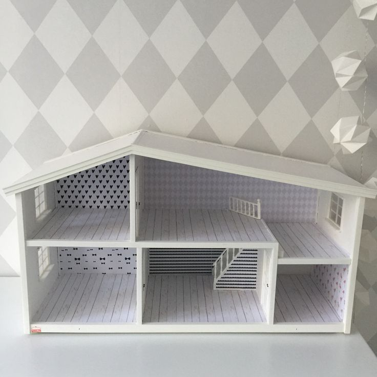Just finished the renovation of my Lundby dollhouse.