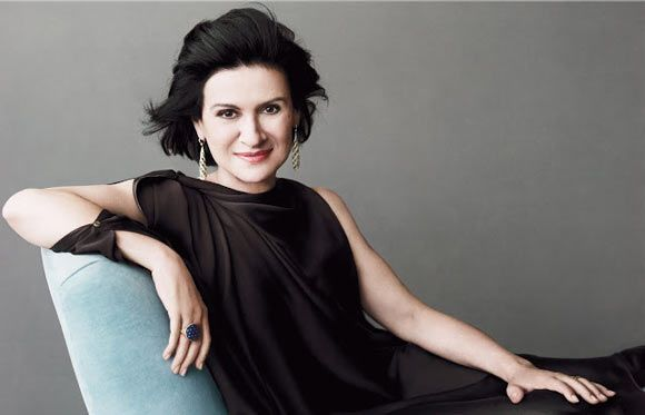 Paloma Picasso http://www.famousfashiondesigners.org/paloma-picasso