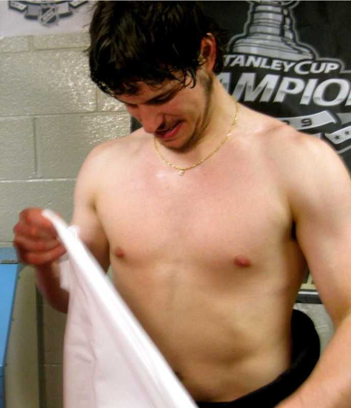 Sidney Crosby Shirtless 2009 Google Search He S Mine