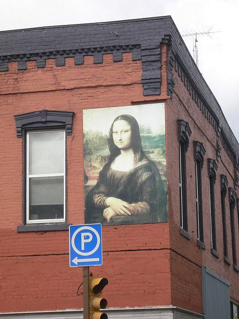 Mona Lisa shows her face on a number of buildings courtesy of the owners. Mona Lisa's Restaurant is a fancy style restaurant with delicious food and the perfect date night location.