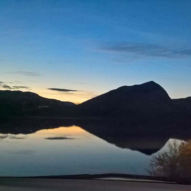 #sun #sunset #sky #mountain #lake #cloud #pretty #beautiful