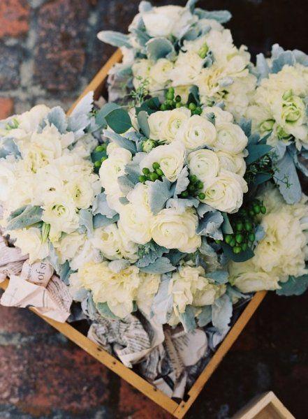 Flowers white green mint