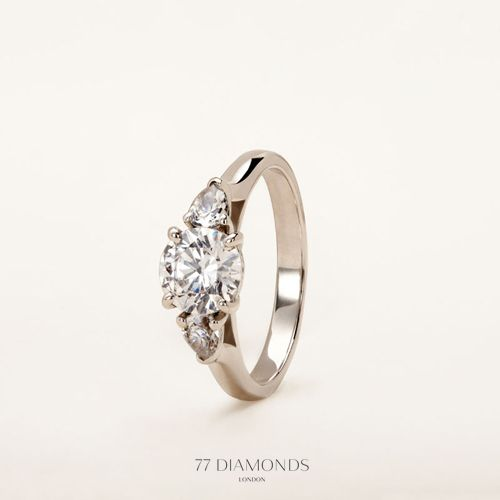 Representing past, present and future: The Barcelona trilogy engagement ring #love #proposal