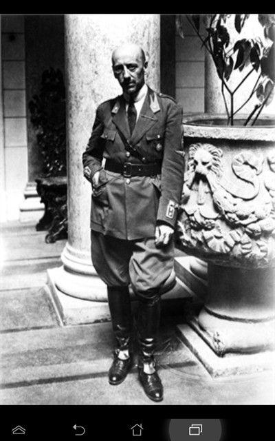 Gabriele D'Annunzio - Al Vittoriale degli Italiani Gardone Riviera