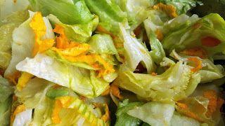 Vaříme bez tuku: Salát s dýňovými květy