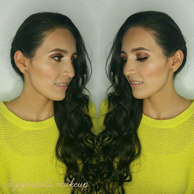 Hermosa y Lista para su Graduación 🎓 con un Smokey Eyes en tonos marrón de la paleta de sombras @morphebrushes 35OM & 35T y labios Nude de @kyliecosmetics  Citas al 📱0987266777 #giginaulamakeup #makeup #makeuppro  #maquillajeprofesional #maquillajeecuador #makeupecuador #morphe #morphebrushes #35om #35t #nude #kryolan #kryolanmakeup #anastasiabeverlyhills #kyliecosmetics  #makeupartist #makeupadddict #makeupartistworldwide #makeuplover #makeupandmakeup #morphebrushes #morphecosmetic…