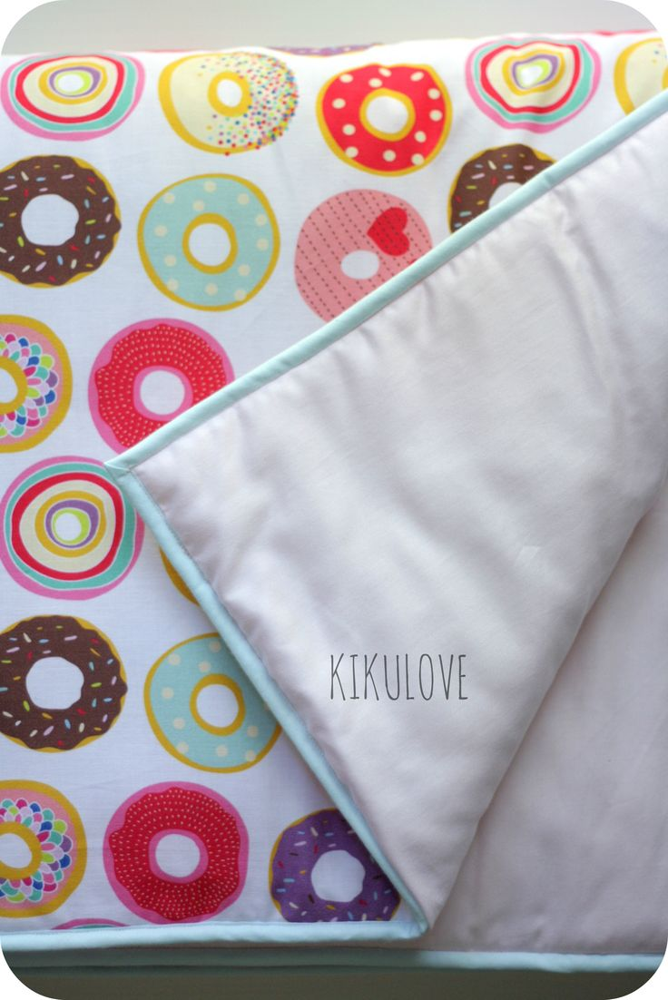 sweet girly blanket/comforter with pink donuts