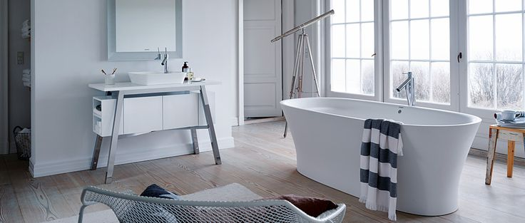 A bathtub that dwells the home with elegance #InteriorDesign #Bathroom #Bath #Shower