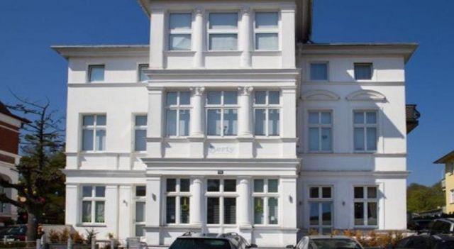 Strand Apartment - #Apartments - $138 - #Hotels #Germany #Bansin http://www.justigo.uk/hotels/germany/bansin/villa-berty_212825.html