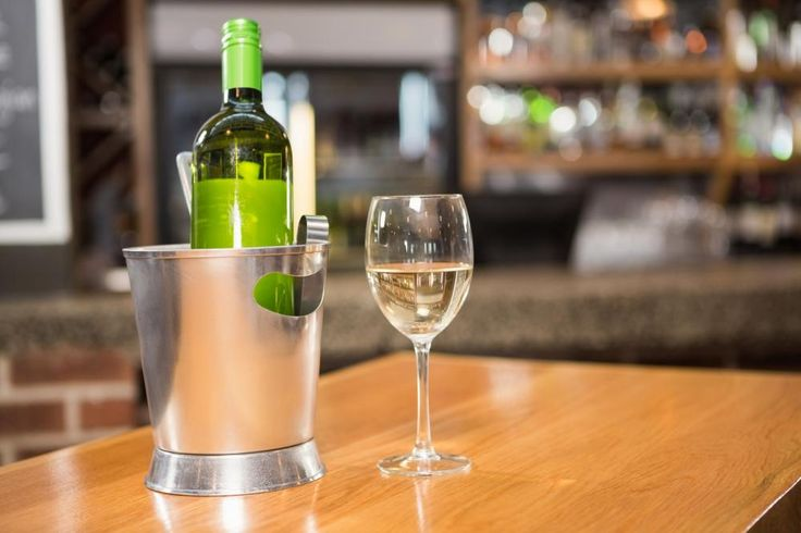 What is the best way to keep open #Wine fresh? Click here to know the solutions http://thesweethome.com/reviews/best-way-to-keep-open-wine-fresh/