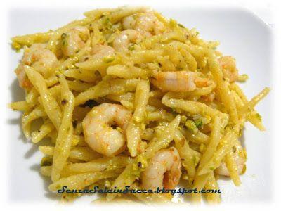 Senza Sale in Zucca: Pasta ai gamberetti e pesto di pistacchi e mandorle