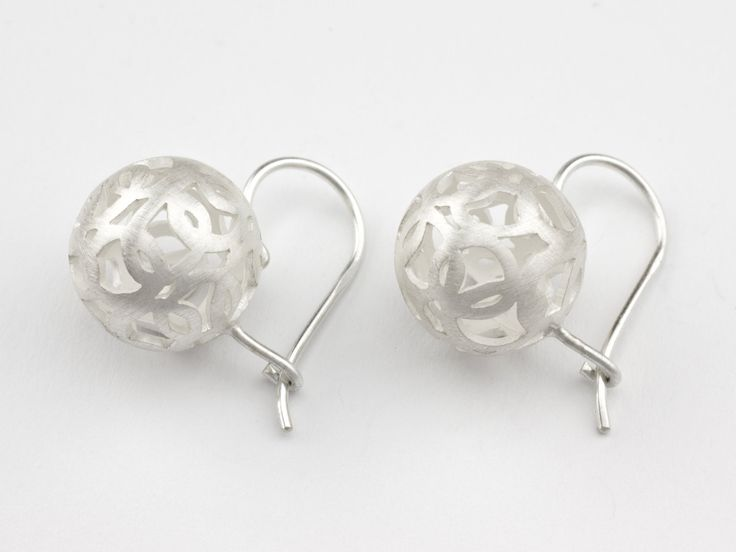 Interlocking rings are forming a sphere.  This earring is handmade from 925 sterling silver. - Silver earrings Sphere of Circles … eisrose, silver, designer jewelry, jewellery, design, art, exclusive, ideas, gift, inspiration, handmade, homemade, unique, wedding, bridal, fine, woman, etsy, inspiration