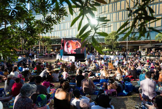 FREE FAMILY FLICKS OVER SUMMER AT DARLING HARBOUR