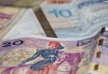 Noureddine Tabboubi, secrétaire général adjoint responsable du règlement interne de l'UGTT a indiqué sur les ondes de la radio Mosaique Fm que la première tranche de la majoration salariale des agents de la fonction publique, soit 35 dinars, sera versée lors du prochain salaire. Quant à la deuxième tranche, 35 dinars également, elle sera versée [...]