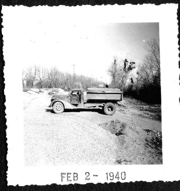 VINTAGE PHOTOGRAPH 1940 GRAVEL ROCK & SAND PIT TRUCK STOCKTON CALIFORNIA PHOTO