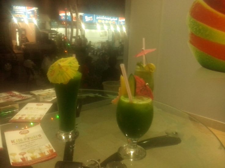 My First Day At KIN Fresh Fruit Juices Cafe: Taking Picture Of 3 Different Taste Of Juices Before Consuming :)