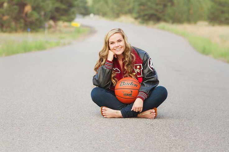 Senior Pictures with a basketball, cute athletic senior photo in a country road