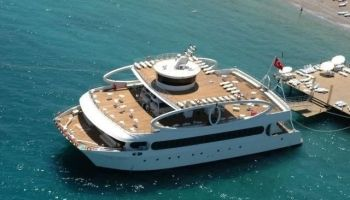 grand catamaran disco bar