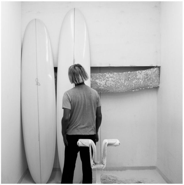 Just read an interesting article of Alex Knost's surfboard project: 'Brown Microwave Television'. Great boards!