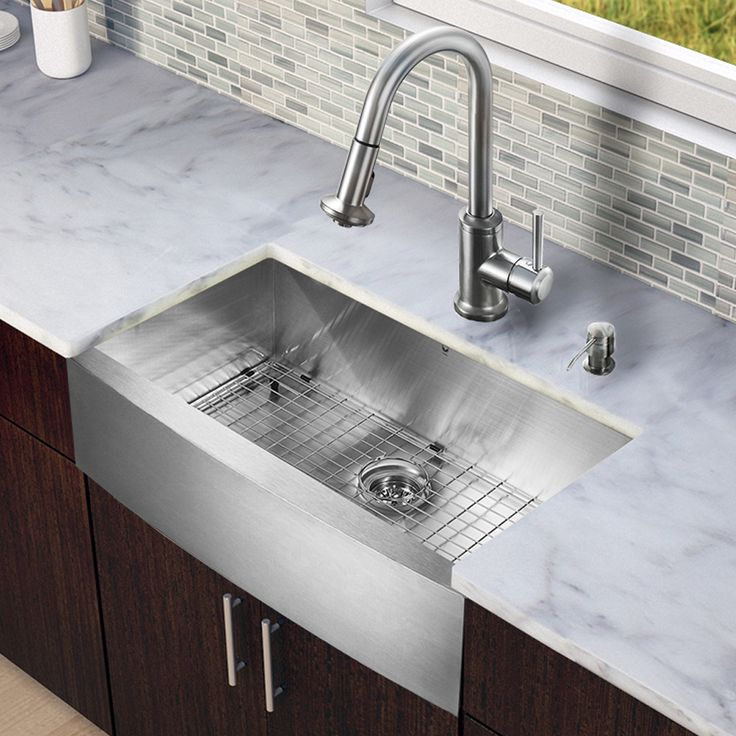 VIGO All In One 33 Inch Farmhouse Stainless Steel Kitchen Sink And Faucet  Set