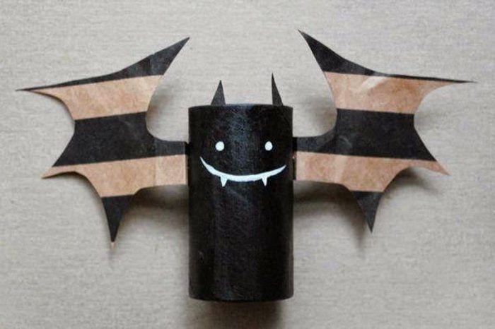 recycler le rouleau de papier toilette, décoration astucieuse pour Halloween