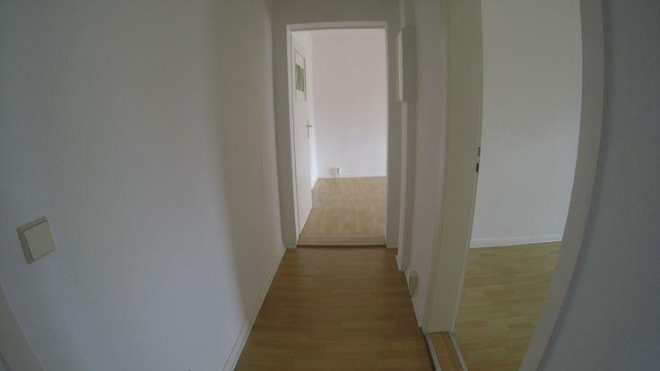 Wohnen am  #Rosenthaler Platz - 4.OG links - #SüdBalkon -  #Berlin - #Mitte 2 Personenhaushalt, 2er WG tauglich 2er WG möglich, 3,5 Zimmer davon  #Wohnzimmer mit Süd -  #Balkon als Durchgangzimmer, #Wannenbad mit Fenster zur Straße, kleine Küche zur Straße und Eßzimmer,  #Wohnzimmer Süd - Balkon zum Hof, ruhiges Schlafzimmer zum Hof, 2. #Schlafzimmer ruhig zum Hof #Zentralheizung und zentrale  #Warmwasserversorgung. http://www.bln24.de http://www.berlin.bln24.de #bln24.de #berlin.bln24.de
