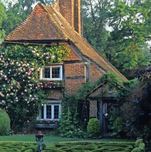 Fairy tale cottage | English cottage